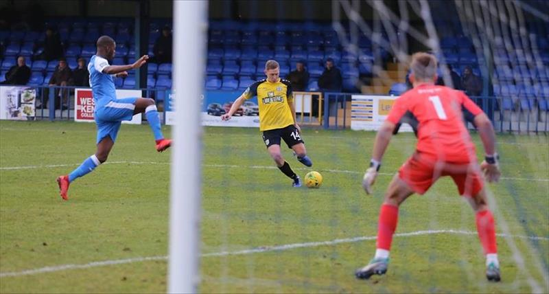 Swift Seals Point In Kent Derby
